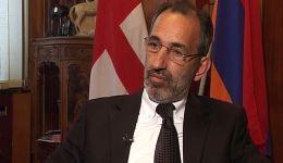 Միակ հայկական թատրոնի դերասանը կոչում ստանալու իրավունք չունի