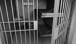 Մարդասպան ոստիկաններին ազատ են արձակել