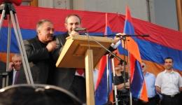 Դրվագներ երեկվա հանրահավաքից (ֆոտոշարք)