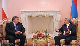 Պաշտոնական այցով Հայաստան է ժամանել Լեհաստանի Հանրապետության նախագահ Բրոնիսլավ Կոմորովսկին