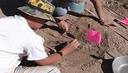 Վանում պեղումների ժամանակ հայտնաբերվել է արձանագրություններով կոթող