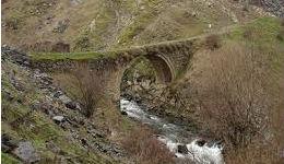 Կարկատաները փչացրել են Գառնու կամուրջի պատմական արժեքը