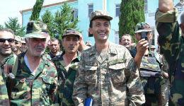 Քանի մենք կանք, դուք հանգիստ եղեք. զինվորներ (տեսանյութ, լուսանկարներ)