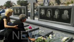 Ավետիսյանների գերեզմանաքարերը տեղադրվել են. հարազատները մեռելոցին գերեզմանոց այցելեցին  (տեսանյութ)