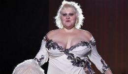 «Կարծրատիպեր կոտրող» ամերիկյան երգչուհին վերադարձել է բեմահարթակ