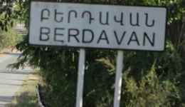 Գնդակոծվող Բերդավանում  այս օրերին էլ հումորն անպակաս է. հենց գնդակոծությունը սկսվում ա, մի լիտր արաղ ու զակուսկի ենք վերցնում, մտնում ապահով տեղ, մինչև պրծնեն