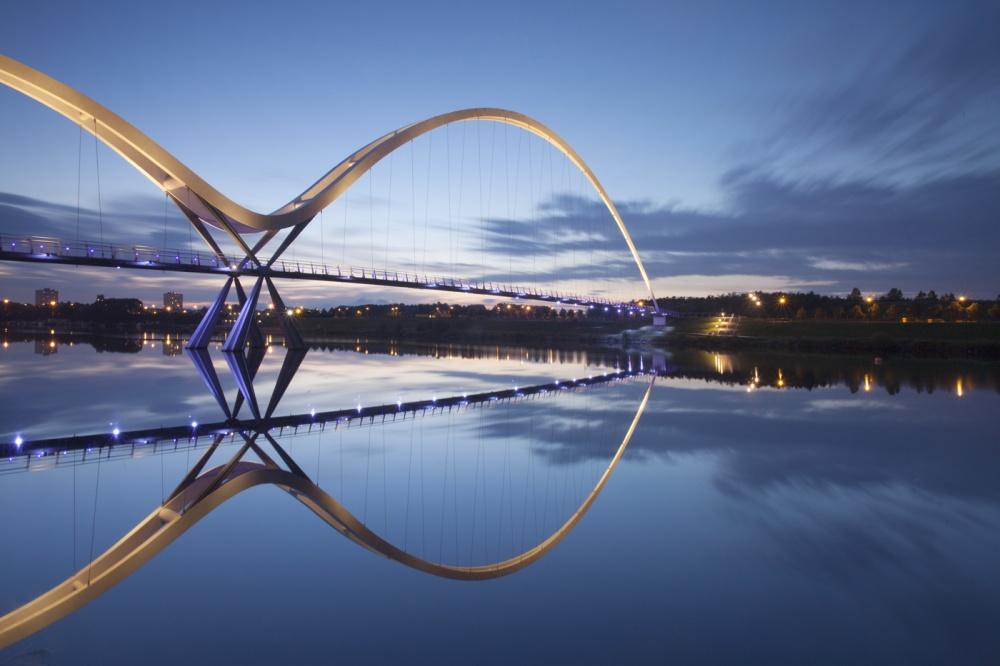 8827410-R3L8T8D-1000-Infinity-Bridge