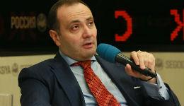 Մոսկվայում ՀՀ դեսպանի հասցեին սկսել են սպառնալիքներ հնչել. նա ստիպված է թիկնապահներով շրջել
