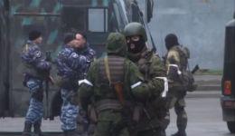 Հեղաշրջում Լուգանսկում.Ներքին գործերի նախարարությանզինված աշխատակիցները շրջափակել են կառավարության շենքը (տեսանյութ)