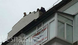 Սաակաշվիլին սպառնում էր շենքի տանիքից վայր թռնել (Տեսանյութ.Լուսանկարներ)