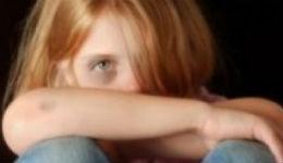 Լավ է մենք, քան ինչ-որ մոլագար. ծնողները շարունակաբար բռնաբարել են իրենց մանկահասակ աղջկան