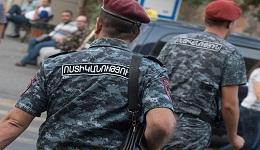 «Բեսպրեդել» Հայաստանում․ ոստիկանները համատարած «սևազգեստներ» ու «հաստավիզներ» են փնտրում