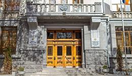 Ոստիկանները բացահայտել են Գյումրիի թիվ 19 հիմնական դպրոցի նախկին տնօրենի ապօրինությունները